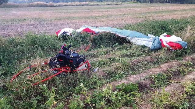 SKIDZIŃ. Motoparalotniarz spadł z wysokości
