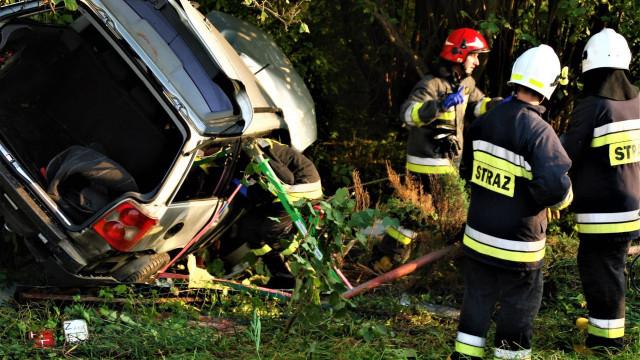 Śmiertelny wypadek w Bielanach. Kilka osób rannych, w akcji śmigłowiec LPR. ZDJĘCIA, FILM !