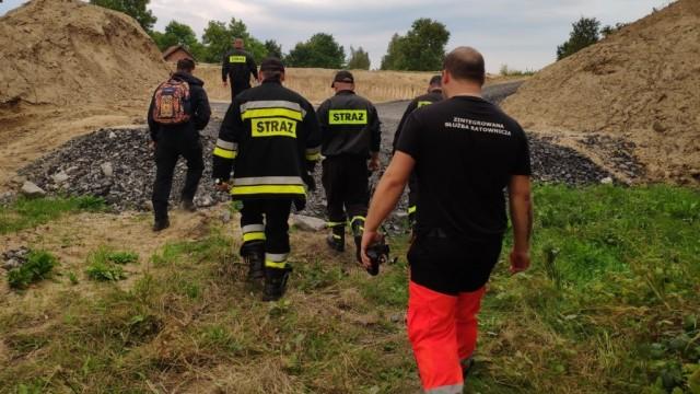 Strażacy z OSP Bór odnaleźli zaginionego chłopca- poszukiwania trwały kilka godzin - InfoBrzeszcze.pl