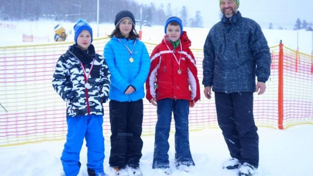 Świetnie jeżdżą na nartach i snowboardzie – FOTO
