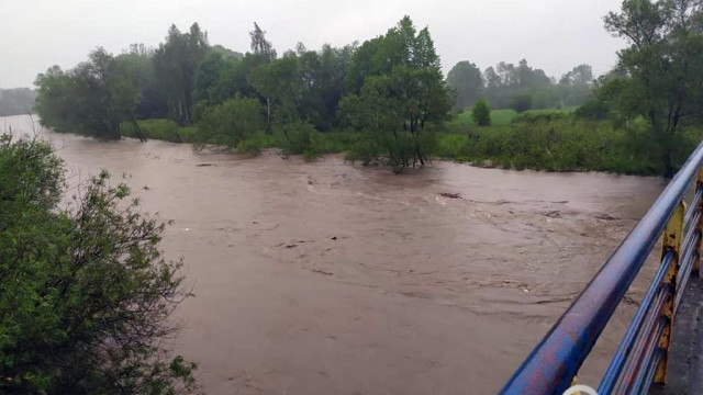 Sytuacja powodziowa jest dynamiczna – FILMY, FOTO