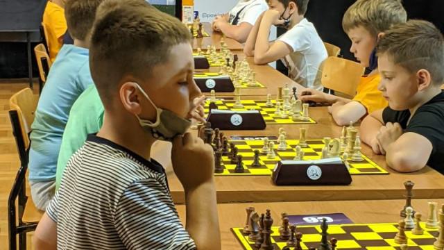 Szachiści z różnych stron powiatu rywalizowali w Przeciszowie