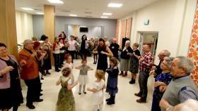 Szampańska zabawa seniorów na Balu Karnawałowym