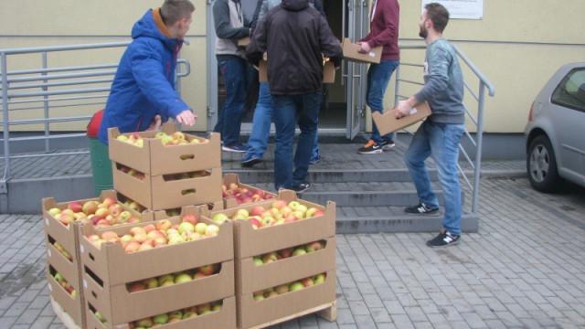 Szkoła pachnąca jabłkami