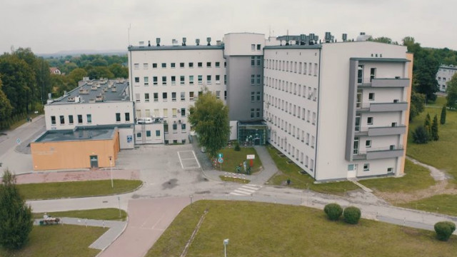 """Szpital Powiatowy w Oświęcimiu przyjmie więcej pacjentów """"niecovidowych"""""""