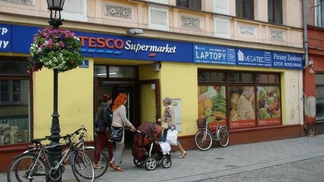 Tesco zamknie swój sklep przy ul. Mayzla w Oświęcimiu. Klienci są zawiedzeni