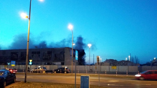 To iskry spawarki wznieciły pożar dworca – FILM, FOTO
