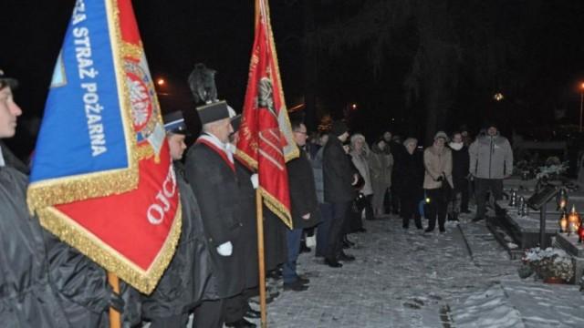 Tradycyjnie upamiętnili rocznicę śmierci amerykańskiego lotnika - InfoBrzeszcze.pl