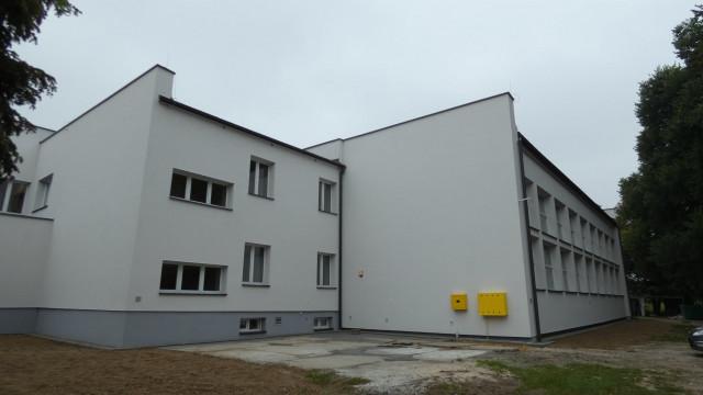 Trwają roboty budowlane w Szkole Podstawowej w Skidziniu - InfoBrzeszcze.pl