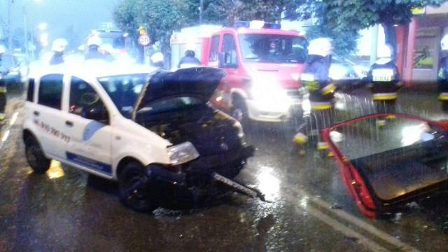 Trzy pojazdy zderzyły się w Kętach. ZDJĘCIA !