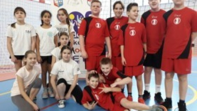 Turniej   w ZSP nr 3 Kęty-  Trójek  Siatkarskich