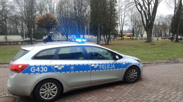 Uliczny agresor podejrzany o groźby karalne trafił na obserwację do szpitala