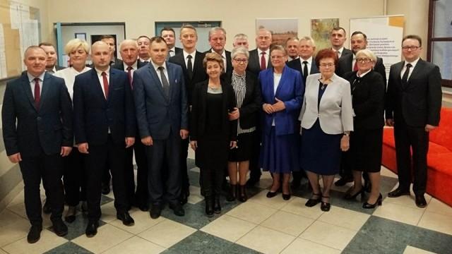 Uroczysta sesja Rady Miejskiej w Brzeszczach -FILM- InfoBrzeszcze.pl