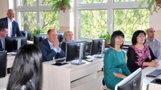 Uroczyste otwarcie nowoczesnej pracowni komputerowej w szkole w Bulowicach