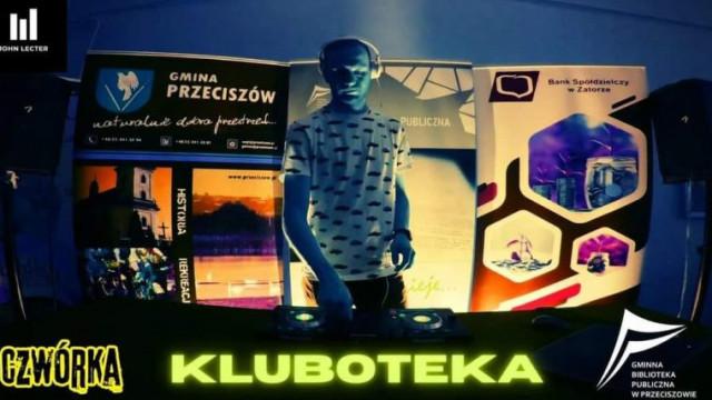 """Utalentowany muzycznie pracownik książnicy w Przeciszowie gościem radiowej """"Czwórki"""""""