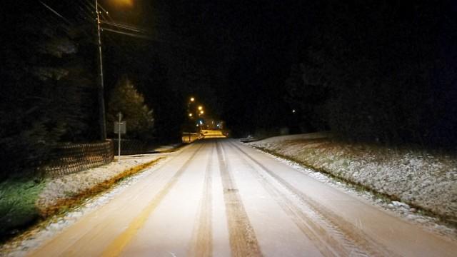 Uwaga na oblodzenie na drogach powiatu. IMGW wydało ostrzeżenie dla powiatu oświęcimskiego