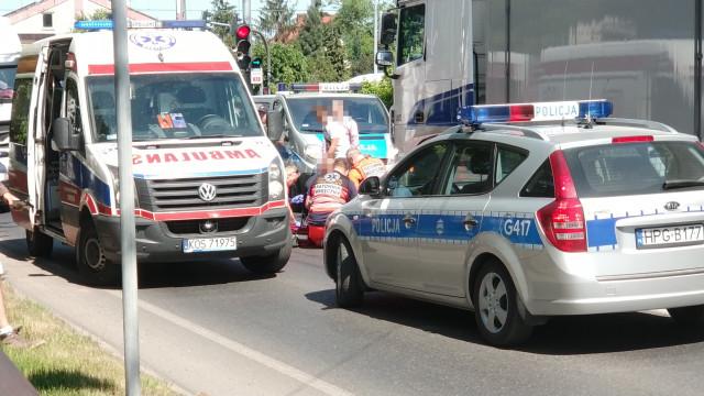 UWAGA ! Potrącenie rowerzystki w Ketach. Trwa akcja ratownicza. ZDJĘCIA!