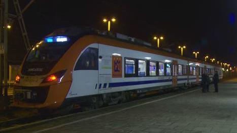 VIDEO-POWIAT. Pociągiem do Krakowa, pasażerów sporo