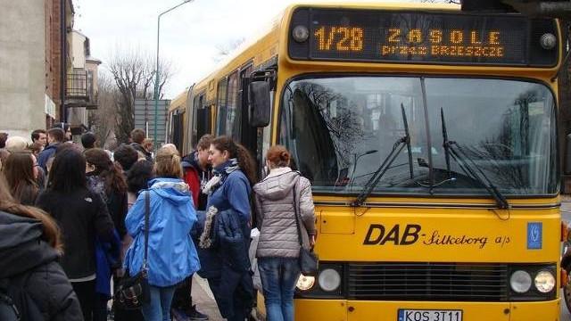 W autobusach w Oświęcimiu będą wyznaczone miejsca dla starszych, kobiet w ciąży i niepełnosprawnych