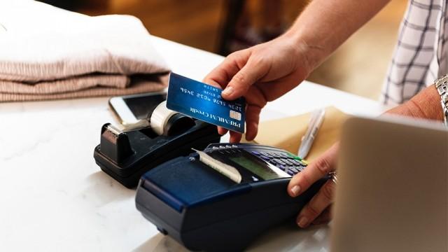 W jaki sposób uzyskać dostęp do wielu walut jednocześnie?