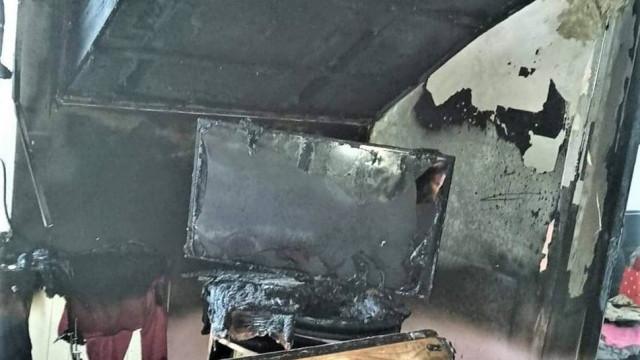 W pożarze bliźniaczego domu w Jangrocie dwie rodziny straciły dobytek