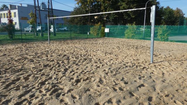 W Wilczkowicach odnowiono boisko do siatkówki plażowej - InfoBrzeszcze.pl