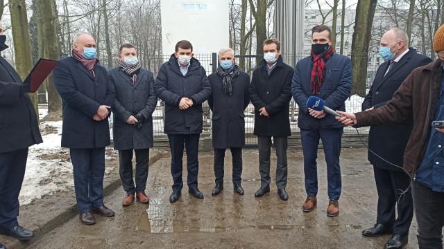 Wizyta wojewody małopolskiego Łukasza Kmity w Szpitalu Powiatowym w Oświęcimiu