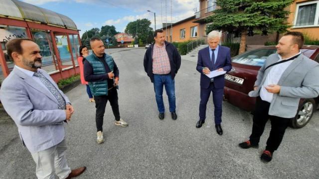 Wkrótce ruszą prace na drodze powiatowej w Skidziniu. Dziś nastąpiło przekazanie placu budowy