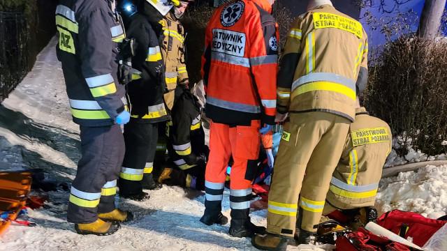 Wstępne szczegóły pożaru w Piotrowicach. 68-latek śmiertelnie zatruł się dymem z płonących kontenerów na odpady