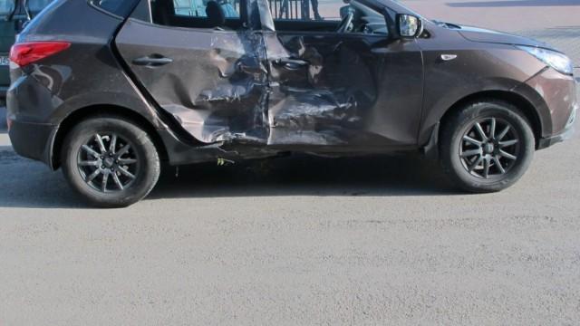 Wymusiła pierwszeństwo, zderzyła się z ciężarówką - FOTO - InfoBrzeszcze.pl