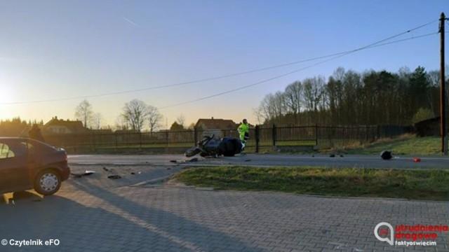 Wypadek motocyklisty. Droga zablokowana