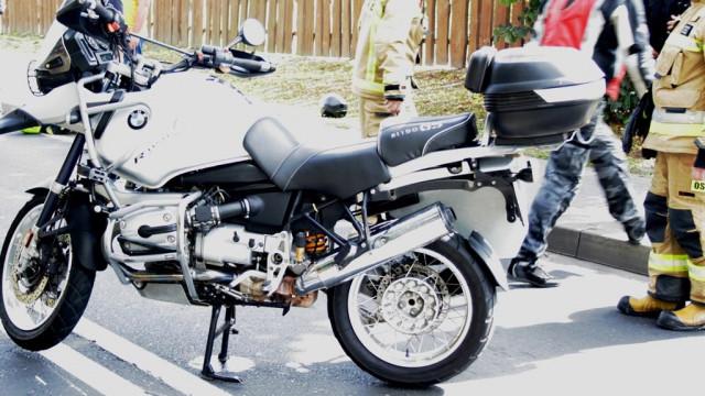 Wypadek motocyklisty. Przewrócił się na jezdnię