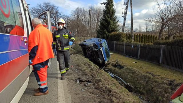 Wypadek na DW933 w Brzeszczach jedna osoba w szpitala. - InfoBrzeszcze.pl