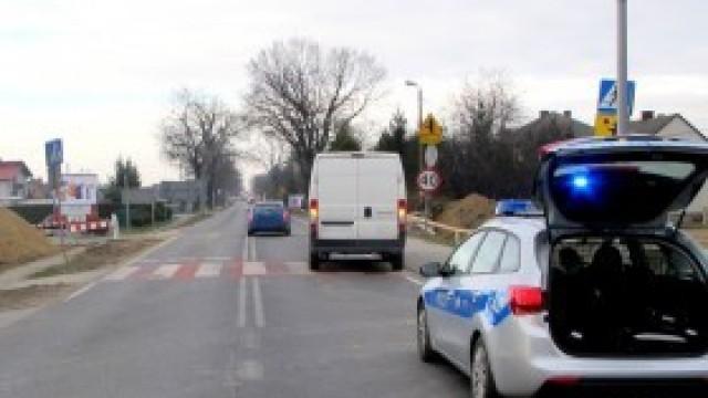 Wypadek na pasach: Dostawczak potrącił 73-latkę