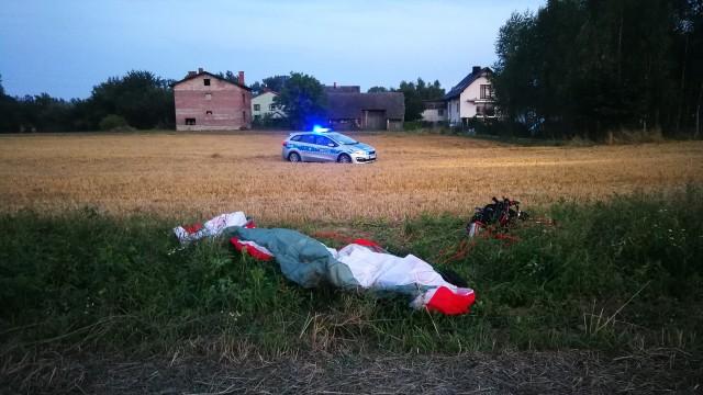 Wypadek paralotniarza w Skidziniu – ZDJĘCIA!