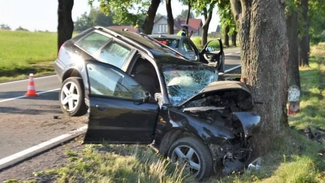 Wypadek pod Olkuszem, młody mężczyzna zmarł