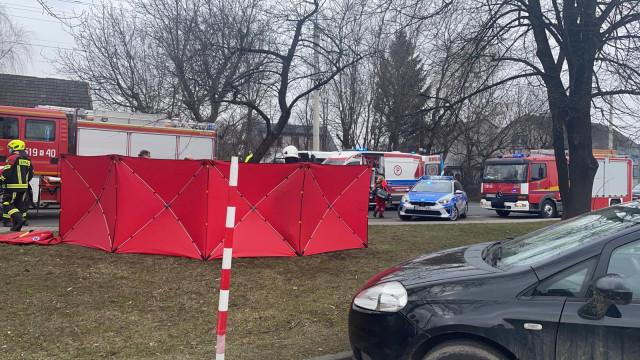 Wypadek w Kętach na DW948. Na miejscu lądował śmigłowiec LPR – ZDJĘCIA!