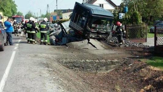 Wypadek w Nowej Wsi. Utrudnienia w ruchu – FOTO