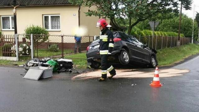 Wypadek w Osieku. Motocykl zderzył się z osobówką. ZDJĘCIA !