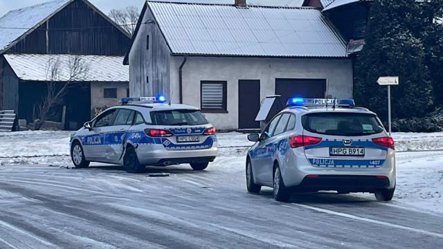 Wypadek z udziałem radiowozu. Poszkodowani policjanci – ZDJĘCIA!