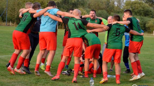 Wyrównany mecz Korony z LKS Poręba Wielka