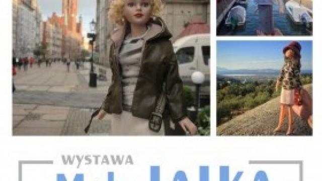 """Wystawa """"Mała Lalka-Wielka Gwiazda"""" w Domu Kultury w Kętach"""