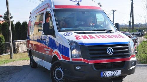ZABORZE. 74-latek wypadł z okna. Z ciężkimi obrażeniami trafił do szpitala.