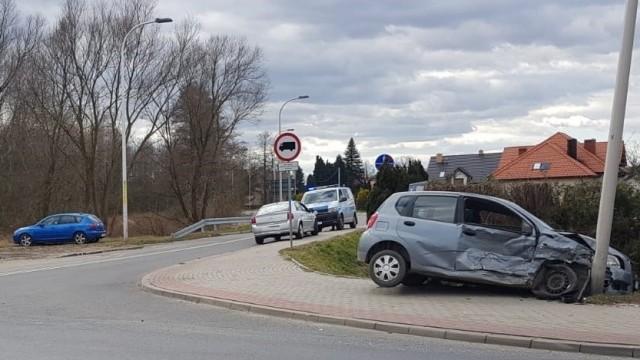 ZABORZE. Kolizja na niebezpiecznym skrzyżowaniu. Poszkodowany z zakazem prowadzenia pojazdów mechanicznych