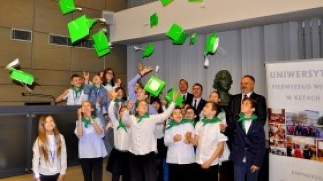 Zakończył się pełen wrażeń rok akademicki młodych żaków z gminy Kęty