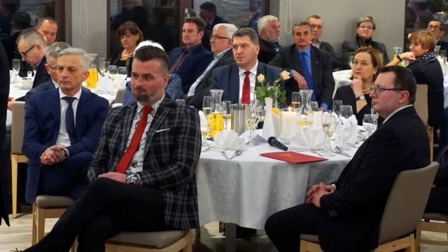 Zarząd Powiatu spotkał się z sołtysami i przewodniczącymi rad osiedlowych - InfoBrzeszcze.pl