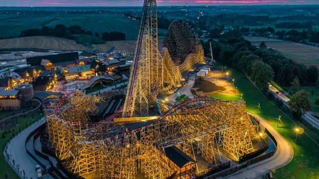 ZATOR. 61 metrów wysokości, 90 stopni nachylenia…. ma na imię Zadra. Już dziś otwarcie drewnianego roller coastera