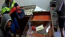 Zator. Czy rozpoznajesz sprawców rozboju w sklepie jubilerskim?
