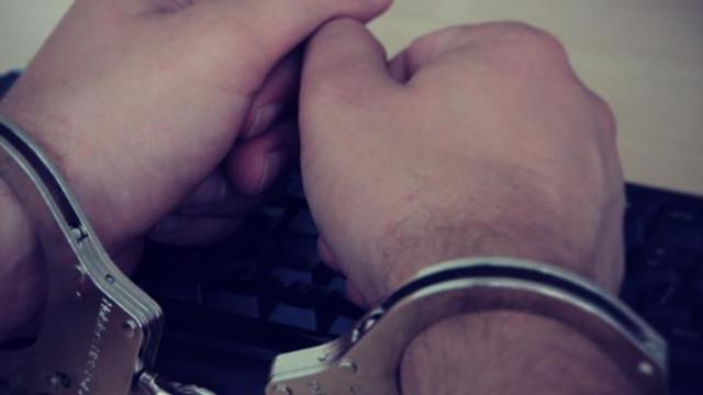 Zator - rodzinę zostawił w aucie, a sam zaczął uciekać przed policją