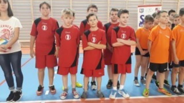 Zawody na Podlesiu – mini piłka siatkowa chłopców